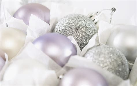 45 white christmas ball christmas ornaments wallpapers