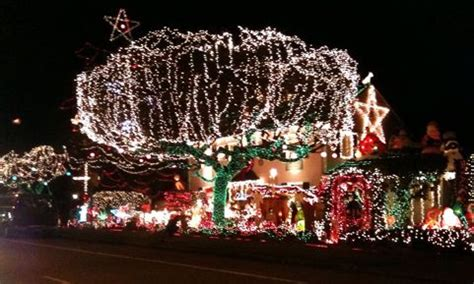 west seattle christmas lights west seattle west seattle lights menashe family display is on