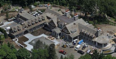 john henrys  square foot massachusetts mega mansion homes   rich