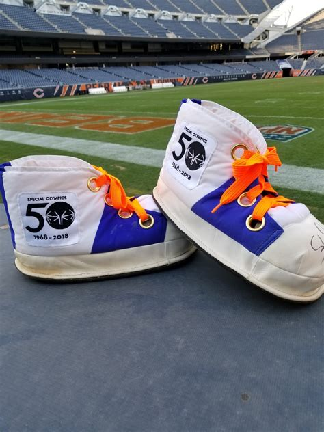 nfl auction    cleats chicago bears staley da