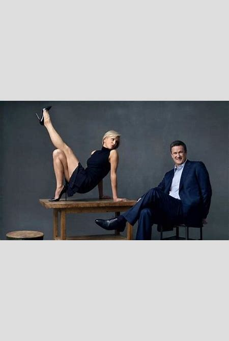 Vanity Fair profiles Mika Brzezinski and Joe Scarborough: Guess who poses on top of a table?