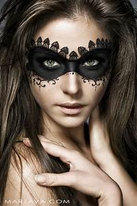 Stunning Feminine Halloween Makeup Ideas - Wonder Forest
