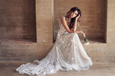 These Sparkling Anna Campbell Wedding Dresses Will Dazzle
