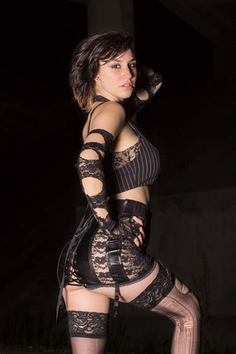 this model in ripped stockings had a photoshoot with me