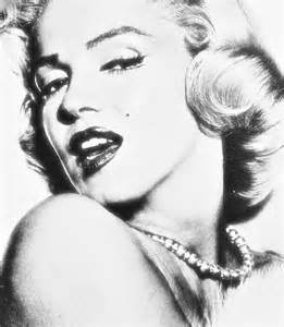 Marilyn Monroe Bilder Schwarz Weiß : why are so many women obsessed with getting plumper lips ~ Bigdaddyawards.com Haus und Dekorationen