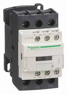 Schneider Electric 240vac Iec Magnetic Contactor  No  Of Poles 3  Reversing  No  32 Full Load