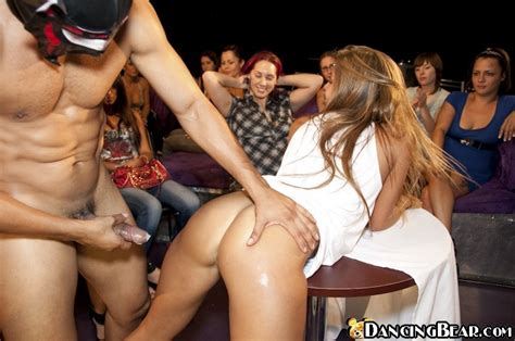 Drunken Amateur Girls Blow Cocks On The Private Party