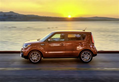 First Look 2017 Kia Soul Turbo Testdriventv