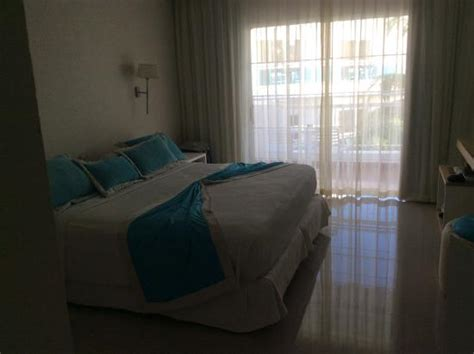 be live canoa chambre deluxe chambre bloc 8 picture of be live collection canoa