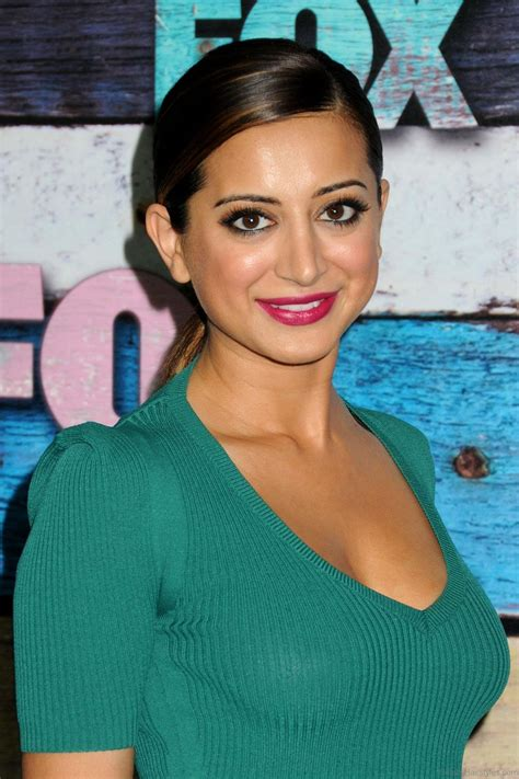 noureen dewulf awesome hairstyle