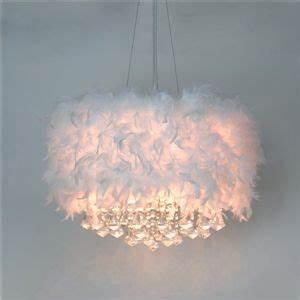 Lustre Plume Pas Cher : plume en blanche lustre avec 3 lampes goutte en cristal lampe de plafond pinterest lustre ~ Teatrodelosmanantiales.com Idées de Décoration