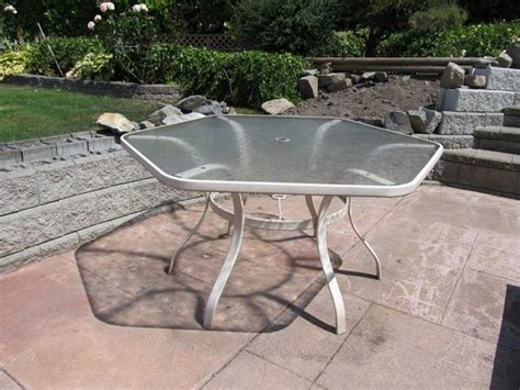 patio table glass top saanich
