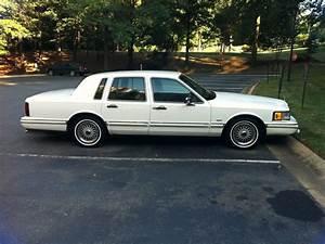 Godj87 1994 Lincoln Town Carsignature Sedan 4d Specs