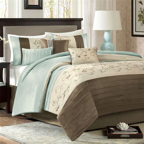 Master Bedroom Comforter Sets by 17 Best Images About Master Bedroom On King