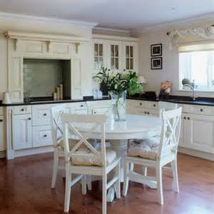 shaker style kitchen ideas traditional shaker kitchen shaker kitchens kitchen design ideas photo gallery