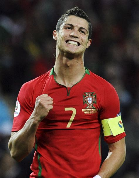 HD wallpapers cristiano ronaldo hairstyle in world cup 2014