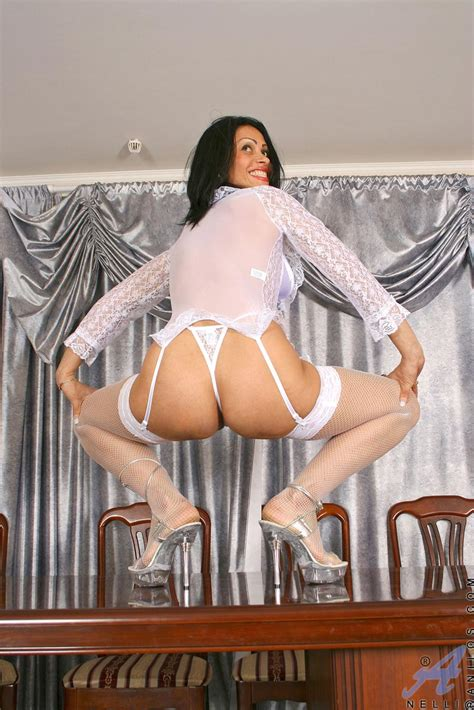 freshest mature women on the net featuring anilos nelli