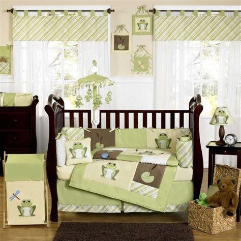 chambre bebe fille en nuances de vert inspirantes