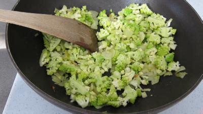 cuisiner un chou romanesco lasagnes aux carottes et au chou romanesco supertoinette