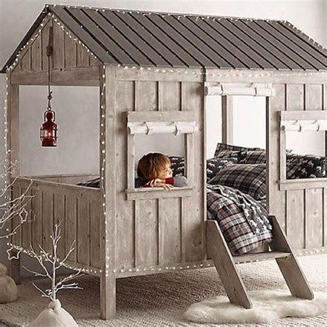 comment faire une cabane dans sa chambre des idées et des inspirations pour réaliser un lit cabane
