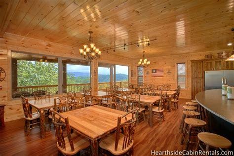 bedroom sleeps   big elk lodge  large cabin