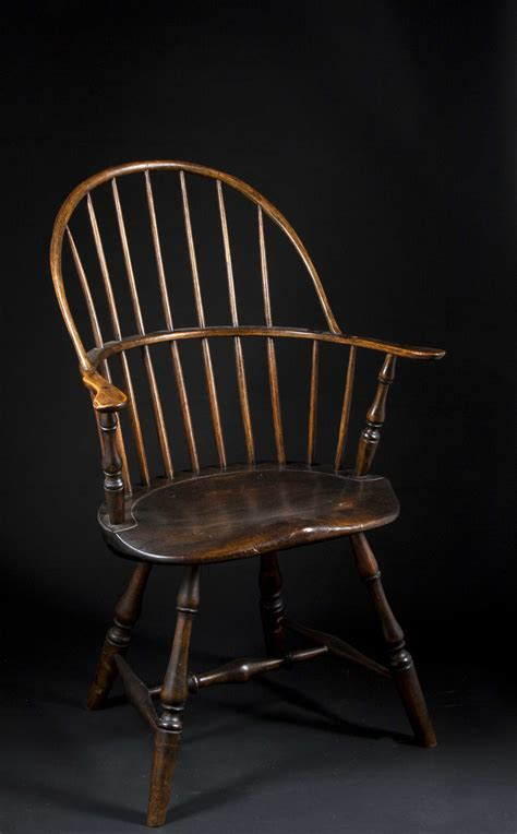 bow back arm chair