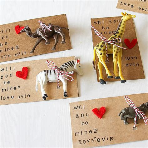 It's easy and the kids like 'em. DIY Noncandy Printable Valentine's Day Cards For Kids ...