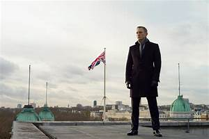 James Bond Skyfall : after spectre the only way to save james bond is to kill him flavorwire ~ Medecine-chirurgie-esthetiques.com Avis de Voitures