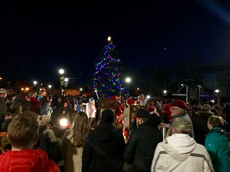christmas trees in northern mi experiencing northern michigan downtown for the tree lighting at cadillac commons 9