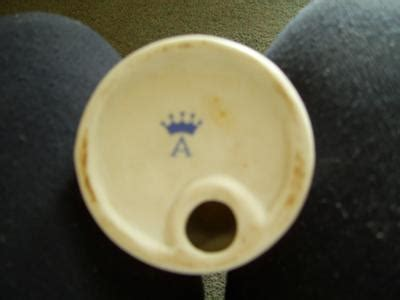 crown   pottery mark query