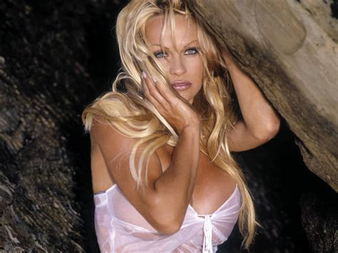 Pamela Anderson Wallpapers Images Photos Pictures Backgrounds