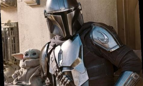 The Mandalorian Fires Up His Jet Pack in Latest Season 2 ...