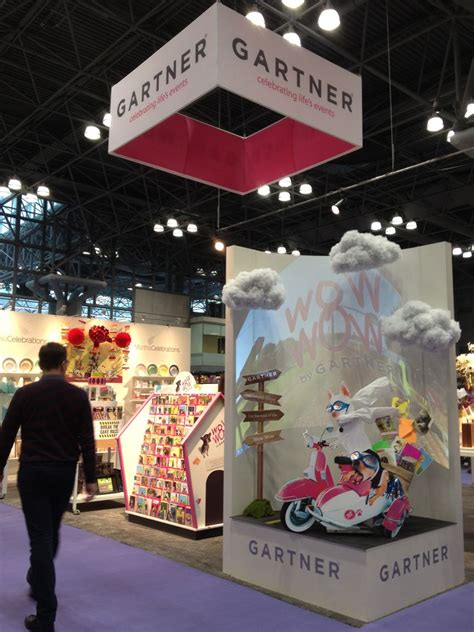 hanging banners monster displays trade show advice