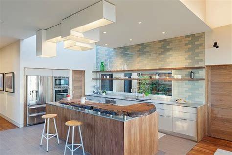 modeles cuisines contemporaines modèle de cuisine contemporaine blanche et bois pour