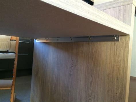 comment accrocher un meuble de cuisine au mur fixation plan de travail au mur 7 messages