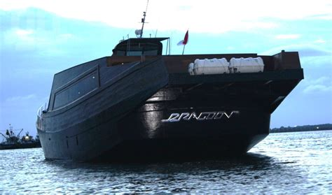 Phinisi Boats For Sale Indonesia by Phinisi Boat Transformed To Dragoon 130 Yacht