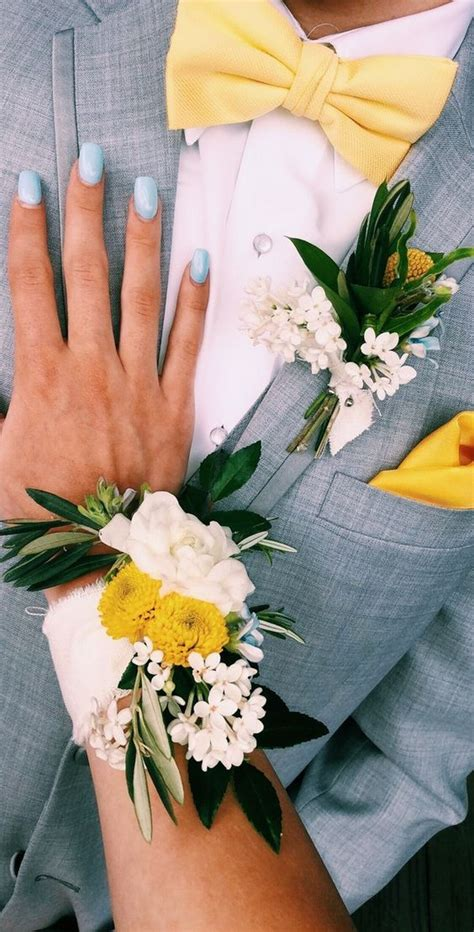 top  prom corsage  boutonniere set ideas