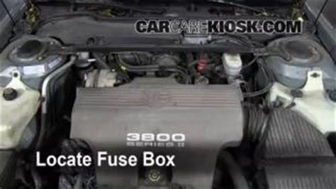Pontiac Bonneville Fuse Box Located by Replace A Fuse 1992 1999 Pontiac Bonneville