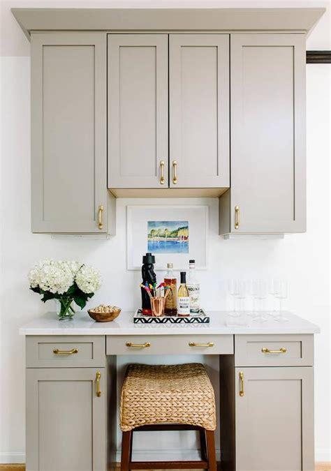 crown moulding above kitchen cabinets kitchen cabinet crown molding design ideas 8513