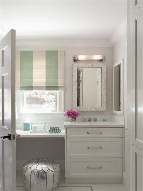 elegant bathroom  silver moroccan pouf tucked