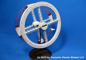 2001: A Space Odyssey Space Station V by Fantastic Plastic