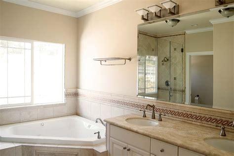 salle de bain taupe  idees damenagement avec
