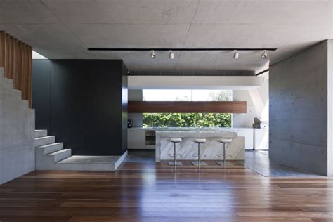 Various tones of natural wood are complemented with the use of volcanic stone and rendered walls to reflect the villa's connection to the volcano gunung agung. Modern House Interior Decoration that You Can Plan - Amaza ...