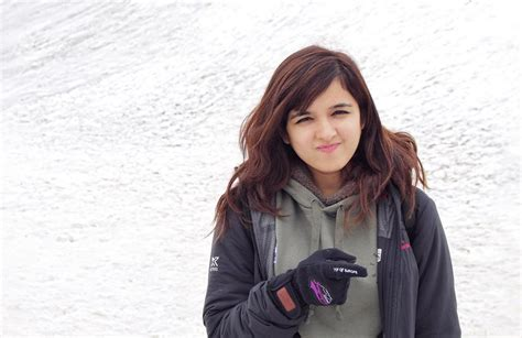Shirley Setia Cute Hd Wallpapers