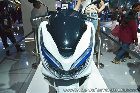 Honda Pcx 2018 Electric by Honda Pcx Electric Concept Headlights At 2018 Auto Expo