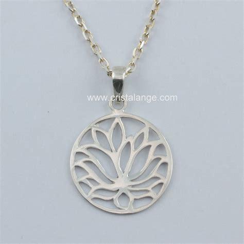 collier fleur de lotus en argent