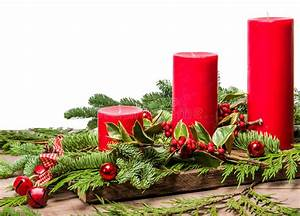 Red Christmas Candles With White Background And Ribbon ...