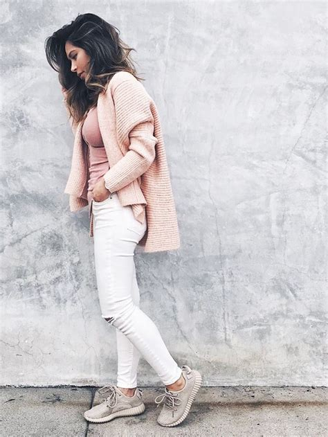 All the Fashion Girls Who Wear Yeezy Boosts | Marianna hewitt Yeezy boost and Pink tops