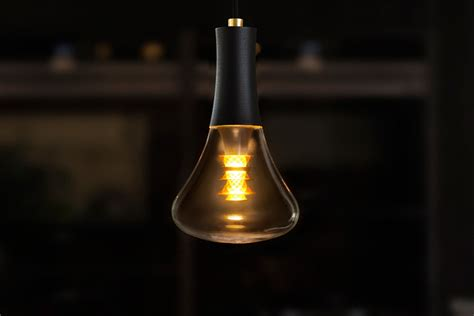 plumen 003 the led light bulb with
