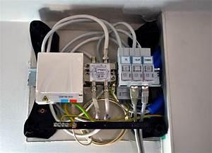 Coffret De Communication Fibre Optique : connexion de la fibre dans un coffret de communication vdi ~ Dode.kayakingforconservation.com Idées de Décoration